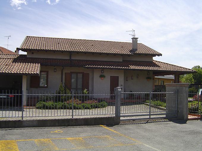 Cavallirio 1 villa